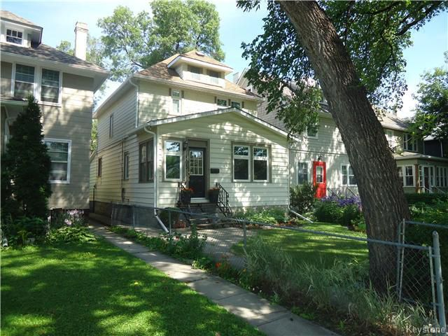 Main Photo: 805 Jessie Avenue in Winnipeg: Fort Rouge / Crescentwood / Riverview Residential for sale (South Winnipeg)  : MLS®# 1620474
