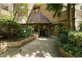 "Main Photo: 402 10626 151A Street in Surrey: Guildford Condo for sale in ""LINCOLN HILLS"" (North Surrey)  : MLS®# R2120237"