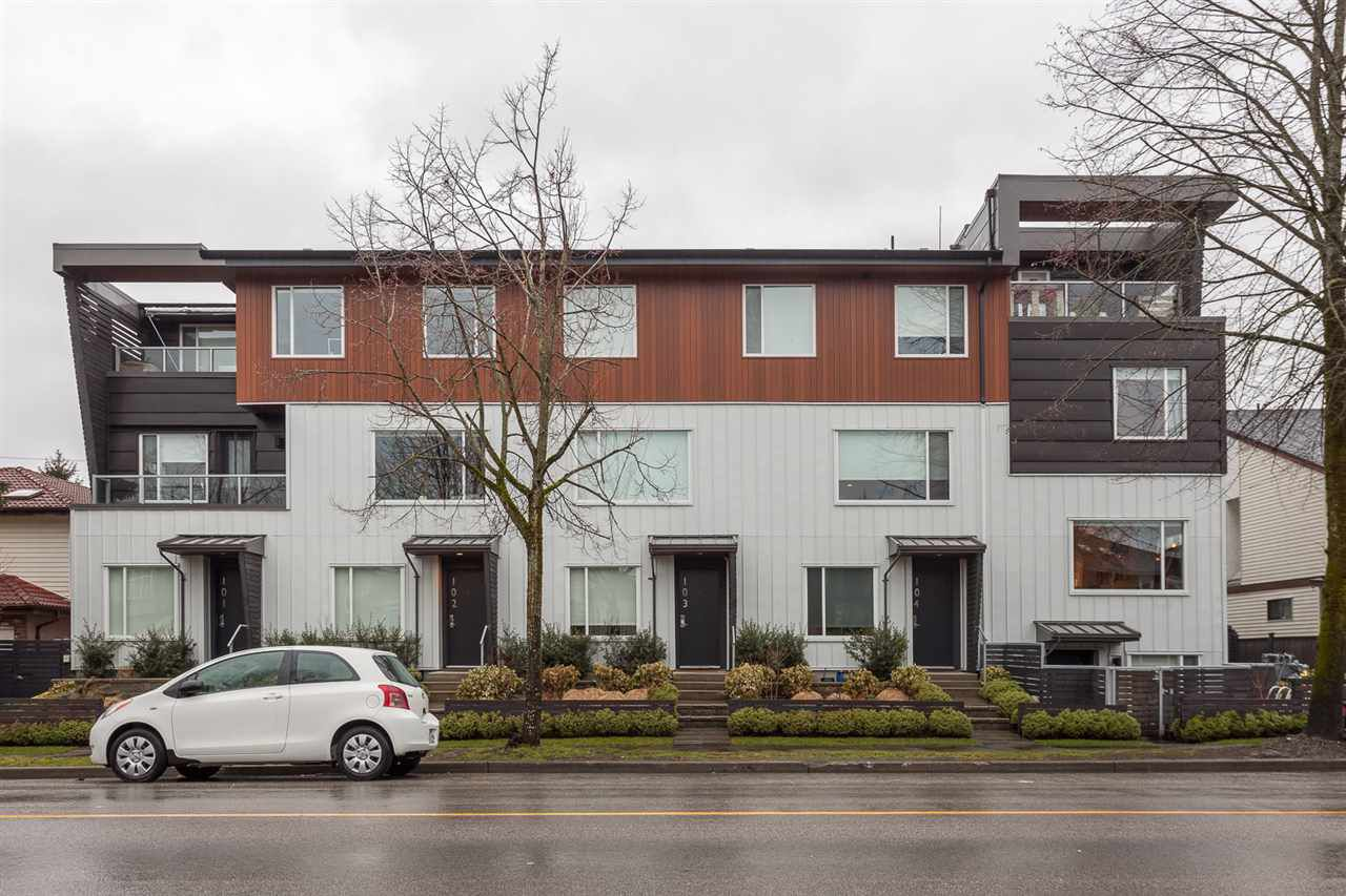 """Main Photo: 106 453 E 16TH Avenue in Vancouver: Mount Pleasant VE Townhouse for sale in """"Skala"""" (Vancouver East)  : MLS®# R2139017"""