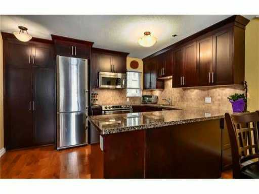 Main Photo: 2304 VINE ST in Vancouver: Kitsilano Townhouse for sale (Vancouver West)  : MLS®# V1004332