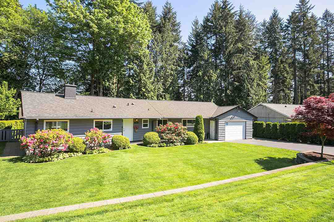 Main Photo: 1198 ARBORLYNN Drive in North Vancouver: Westlynn House for sale : MLS®# R2268061