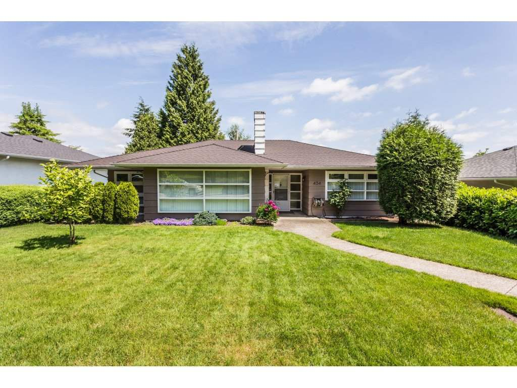 """Main Photo: 434 BLAIR Avenue in New Westminster: Sapperton House for sale in """"Sapperton"""" : MLS®# R2273206"""