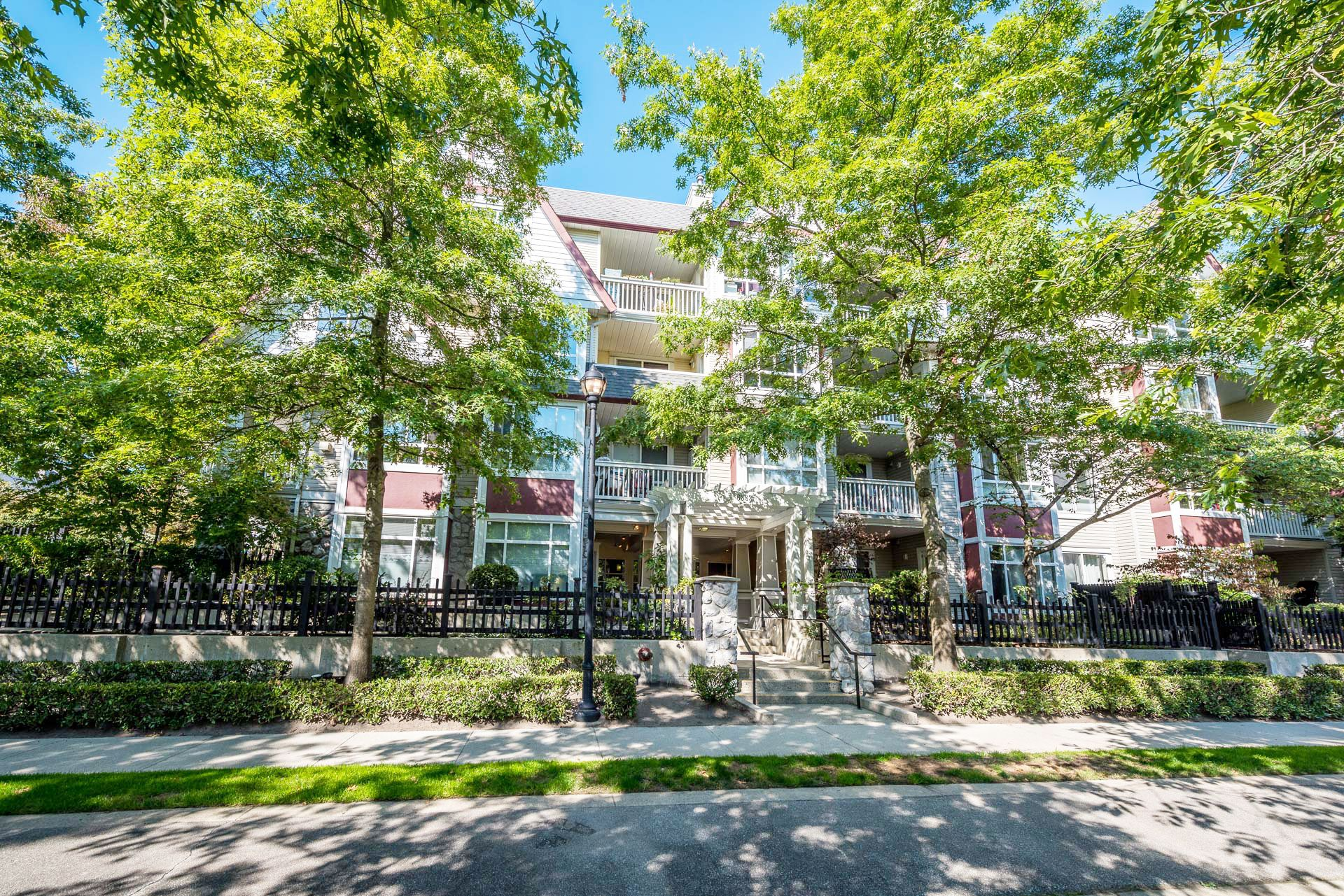 "Main Photo: 214 6833 VILLAGE GREEN Grove in Burnaby: Highgate Condo for sale in ""Carmel"" (Burnaby South)  : MLS®# R2302531"