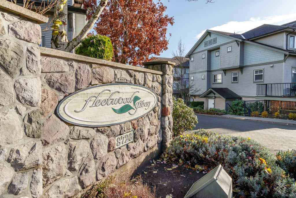 "Main Photo: 40 8726 159 Street in Surrey: Fleetwood Tynehead Townhouse for sale in ""Fleetwood Green"" : MLS®# R2338563"