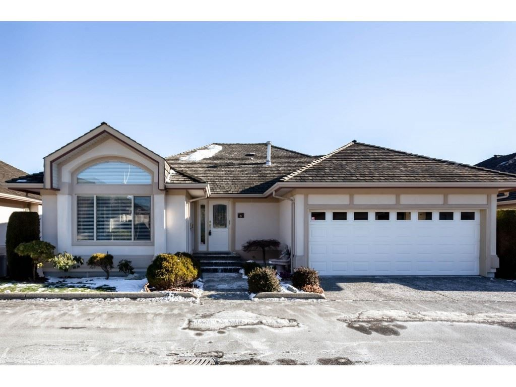 """Main Photo: 6 30703 BLUERIDGE Drive in Abbotsford: Abbotsford West Townhouse for sale in """"Westsyde Park"""" : MLS®# R2337974"""