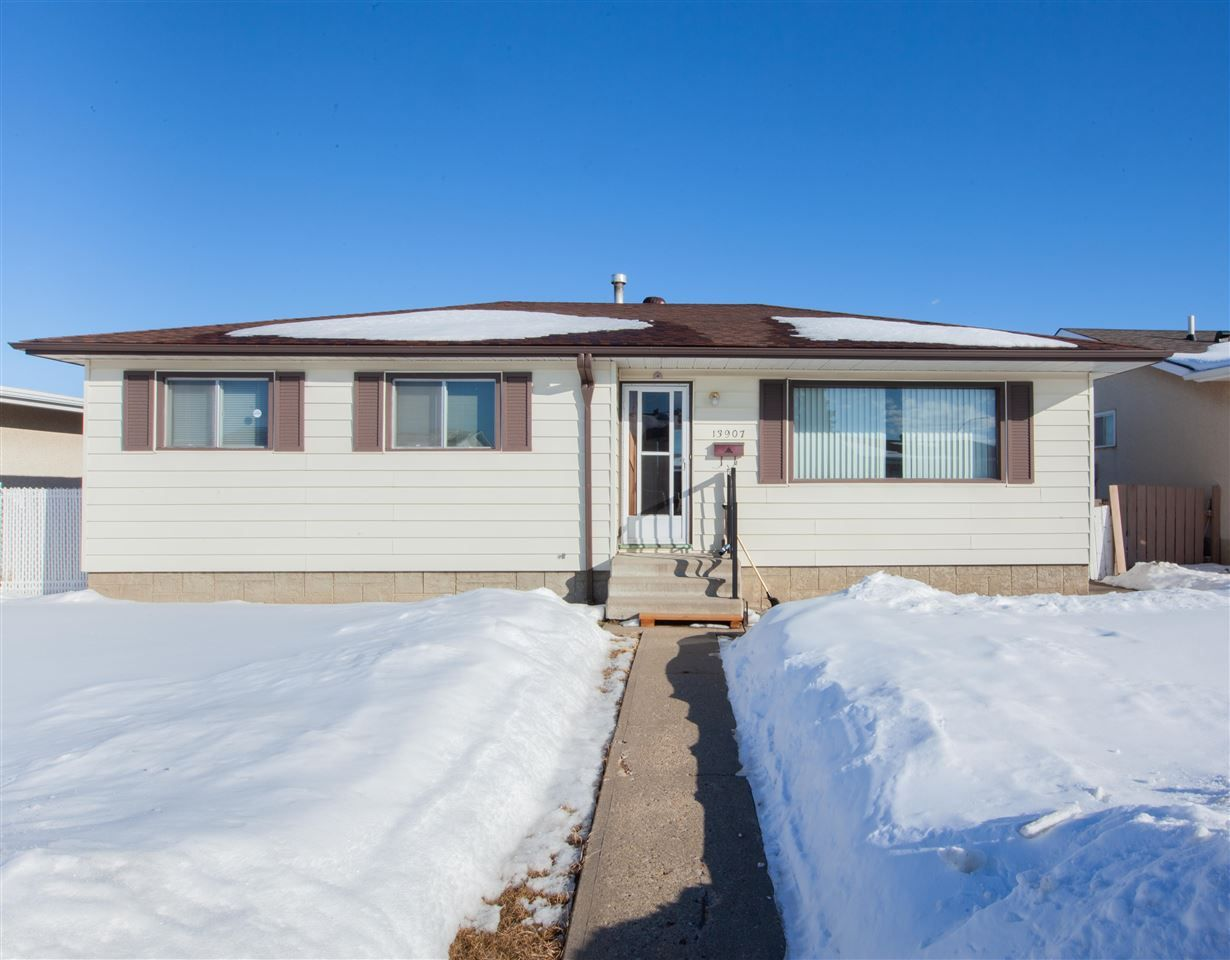 Main Photo: 13907 88 Street NW in Edmonton: Zone 02 House for sale : MLS®# E4147182