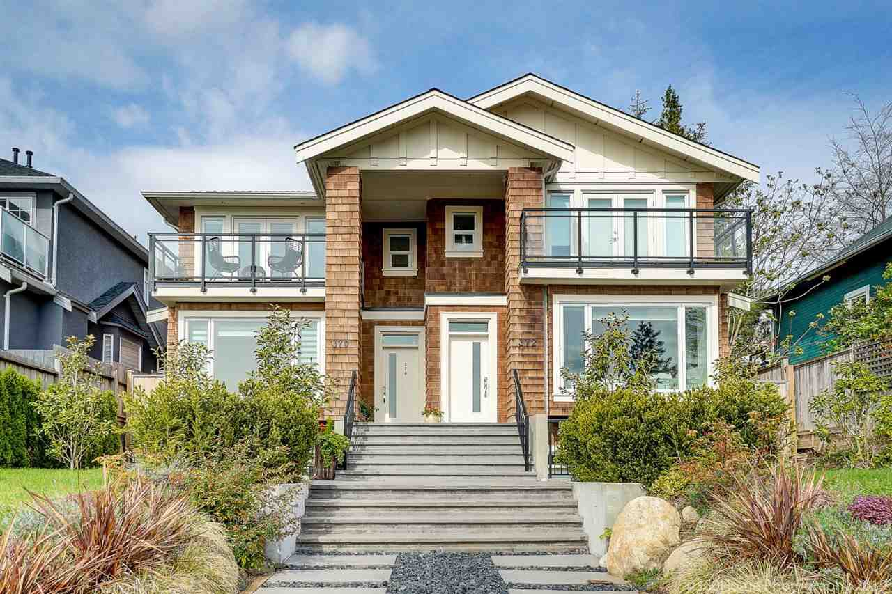 Main Photo: 370 E 5TH Street in North Vancouver: Lower Lonsdale House 1/2 Duplex for sale : MLS®# R2363779