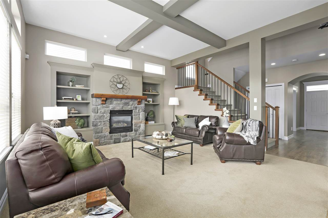 Main Photo: 18885 69A Avenue in Surrey: Clayton House for sale (Cloverdale)  : MLS®# R2366899