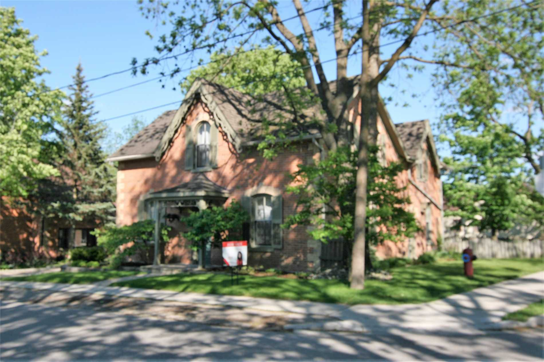 Main Photo: 35 Church Street: Orangeville House (2-Storey) for sale : MLS®# W4480305