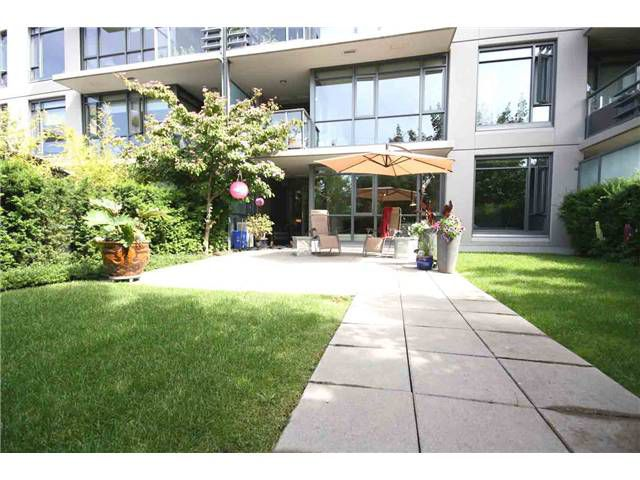 "Main Photo: 102 750 W 12TH Avenue in Vancouver: Fairview VW Townhouse for sale in ""TAPESTRY"" (Vancouver West)  : MLS®# V898284"