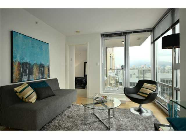 "Main Photo: 1101 1030 W BROADWAY in Vancouver: Fairview VW Condo for sale in ""LA COLOMBA"" (Vancouver West)  : MLS®# V911282"