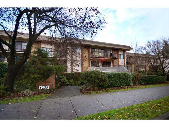 "Main Photo: 105 1235 W 15TH Avenue in Vancouver: Fairview VW Condo for sale in ""THE SHAUGHNESSY"" (Vancouver West)  : MLS®# V920886"