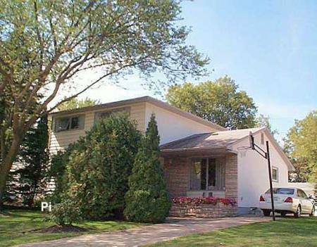 Main Photo: 39 Triton Bay: Residential for sale (St. Vital)  : MLS®# 2615399