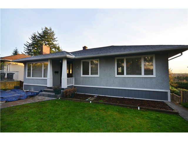 Main Photo: 5410 KEITH ST in Burnaby: South Slope House for sale (Burnaby South)  : MLS®# V981647