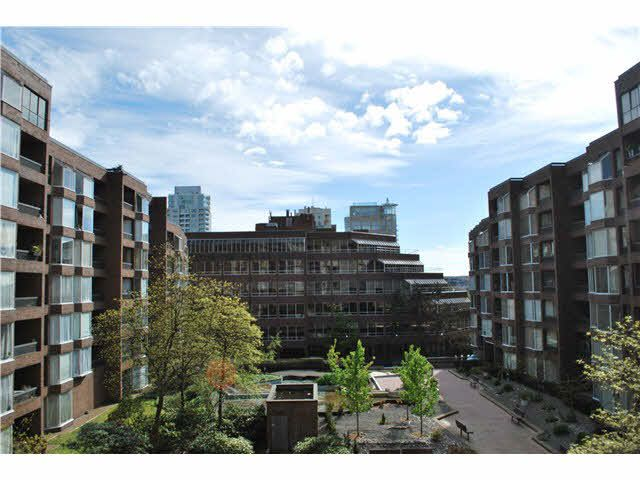 "Main Photo: 413 950 DRAKE Street in Vancouver: Downtown VW Condo for sale in ""ANCHOR POINT"" (Vancouver West)  : MLS®# V1119702"