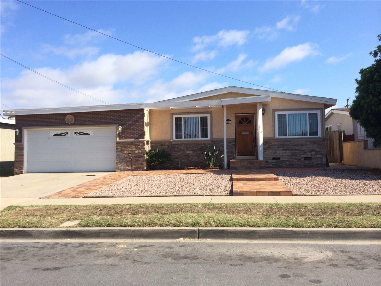 Main Photo: SAN DIEGO House for sale : 3 bedrooms : 2223 Hemlock