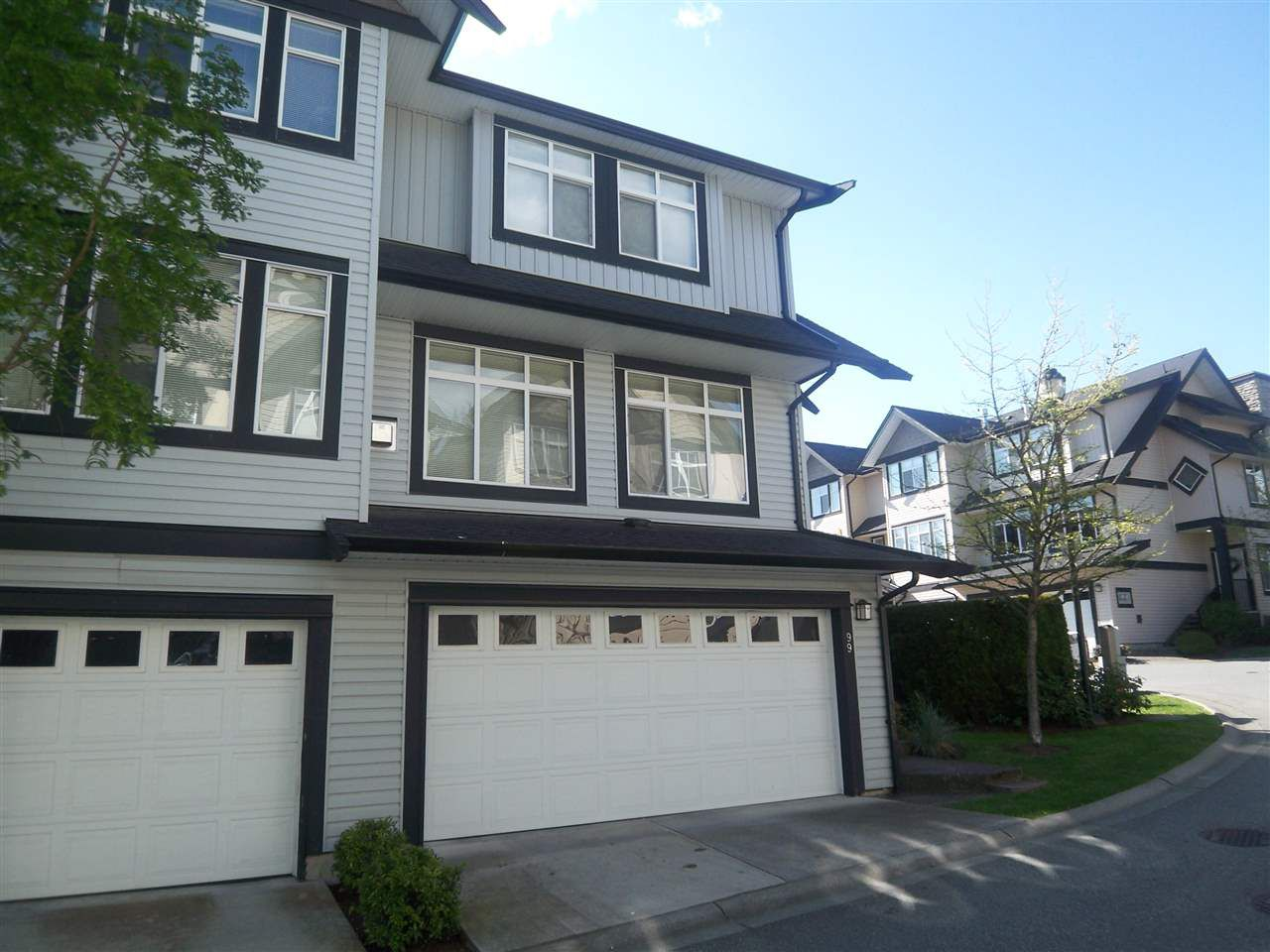 "Main Photo: 99 19932 70 Avenue in Langley: Willoughby Heights Townhouse for sale in ""Summerwood"" : MLS®# R2096509"