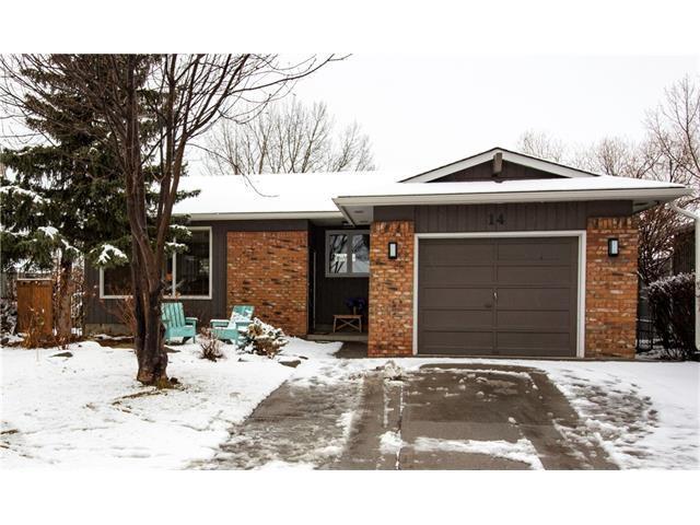 Main Photo: 14 GLENWOOD Court: Cochrane House for sale : MLS®# C4110479