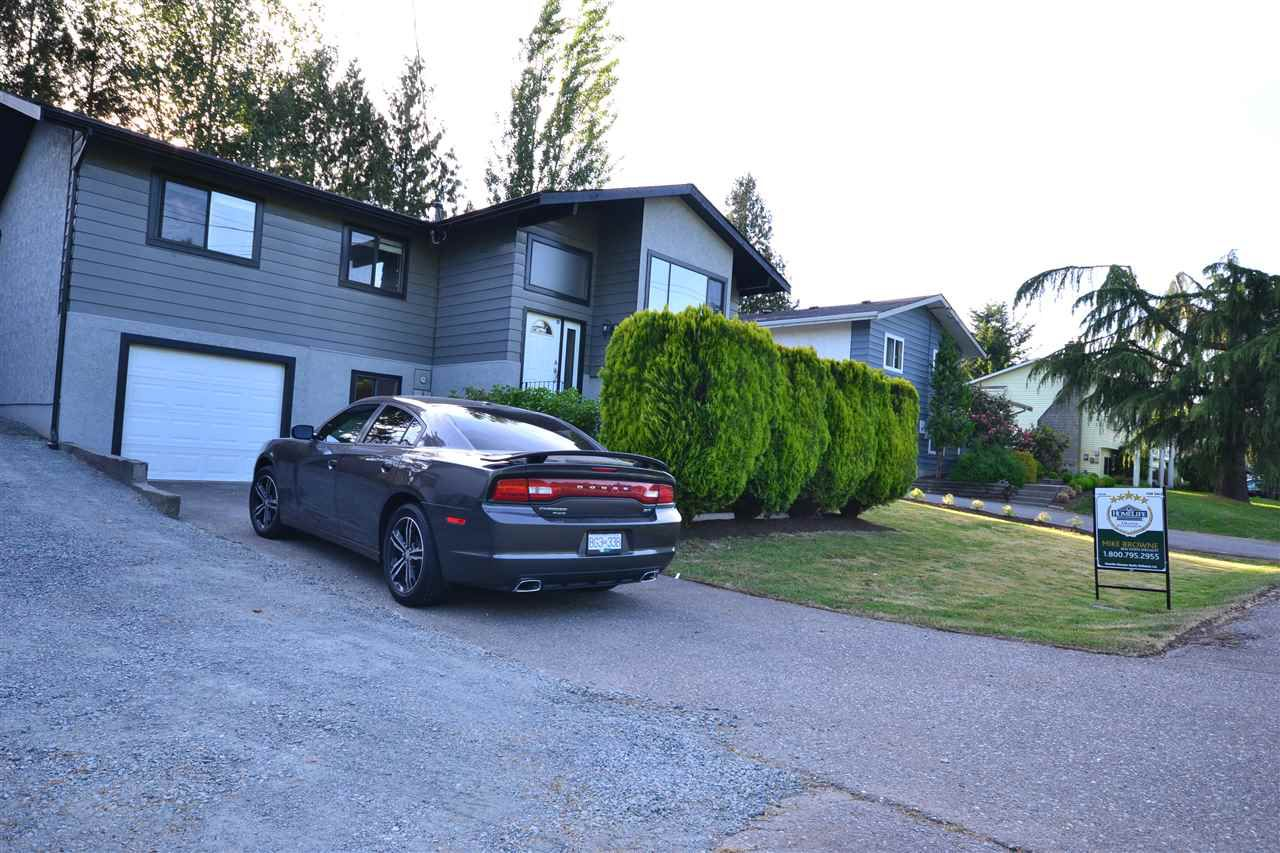 """Main Photo: 3535 OLD CLAYBURN Road in Abbotsford: Abbotsford East House for sale in """"Clayburn area"""" : MLS®# R2172081"""