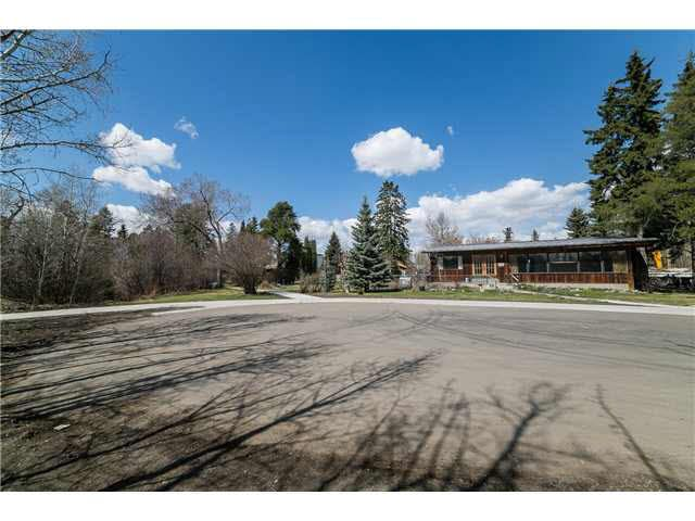 Main Photo: 14304 Ravine Drive NW in Edmonton: Grovenor House for sale : MLS®# E3373031