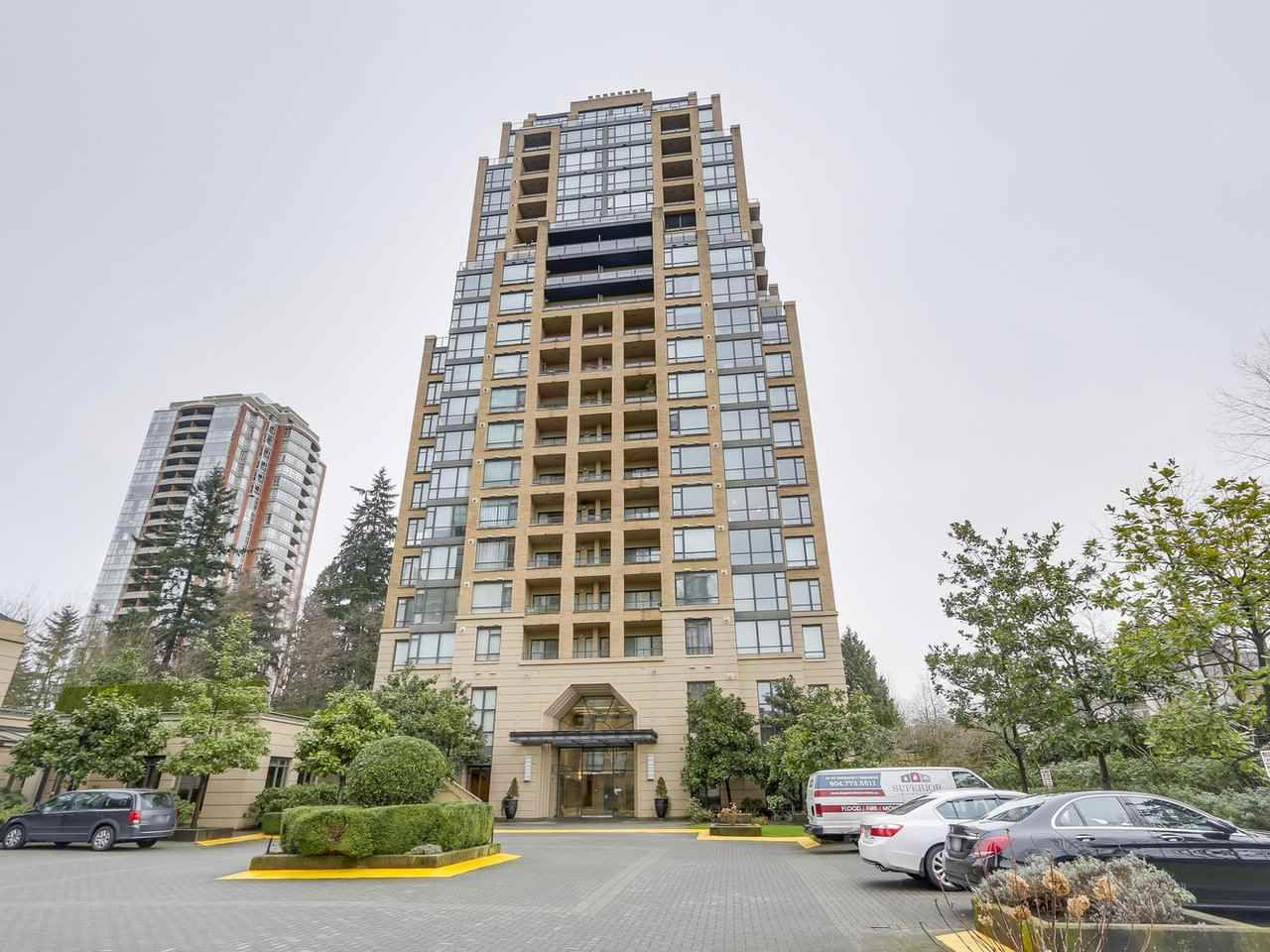 """Main Photo: 603 7388 SANDBORNE Avenue in Burnaby: South Slope Condo for sale in """"MAYFAIR 2"""" (Burnaby South)  : MLS®# R2237572"""