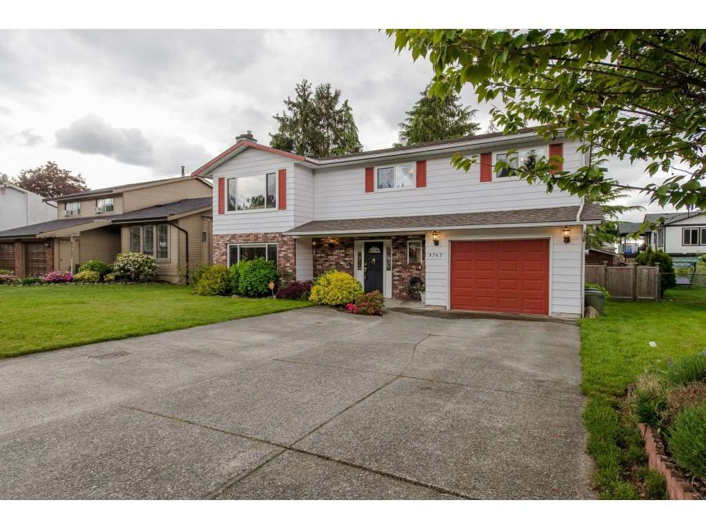 """Main Photo: 3767 SANDY HILL Road in Abbotsford: Abbotsford East House for sale in """"Sandy Hill"""" : MLS®# R2267138"""