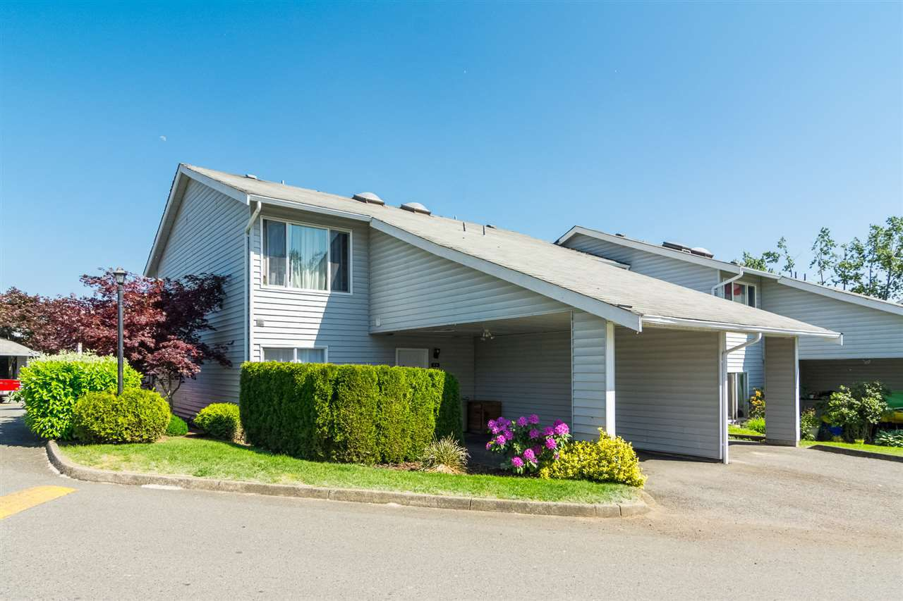 "Main Photo: 20 26970 32 Avenue in Langley: Aldergrove Langley Townhouse for sale in ""Parkside Village"" : MLS®# R2273111"