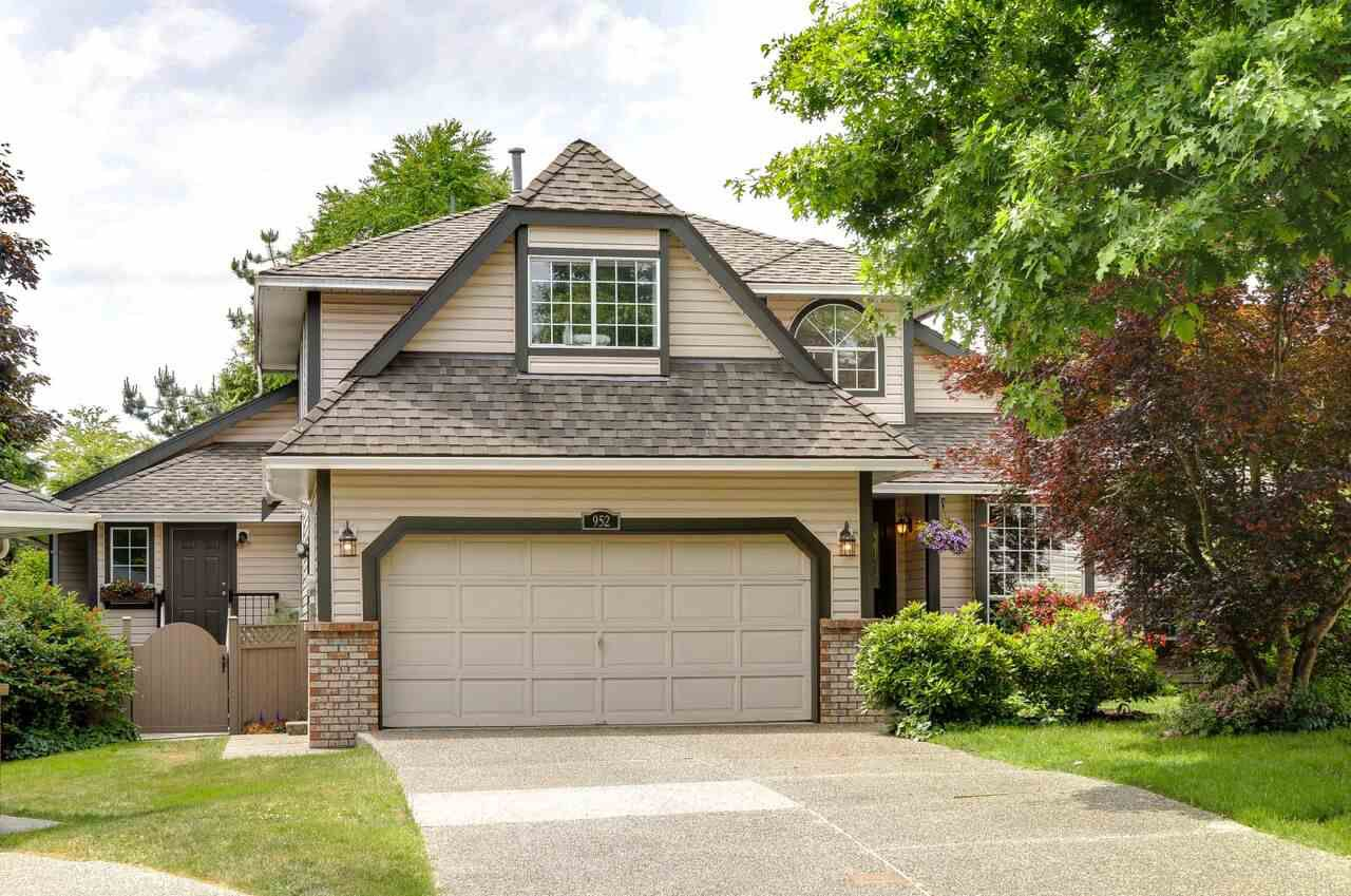 952 GOVERNOR Court in Port Coquitlam: Citadel PQ House for