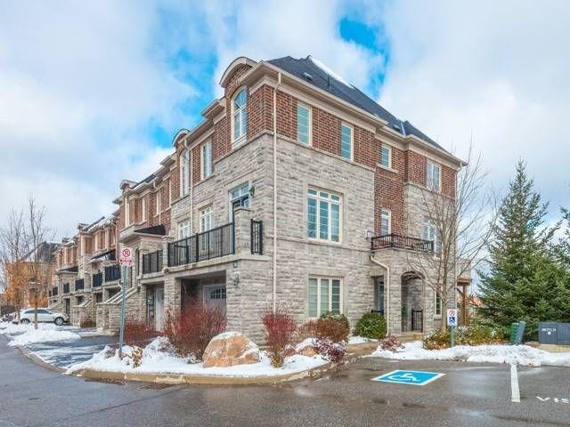 Main Photo: 30 Chapman Court in Aurora: Aurora Grove House (2-Storey) for sale : MLS®# N4328984
