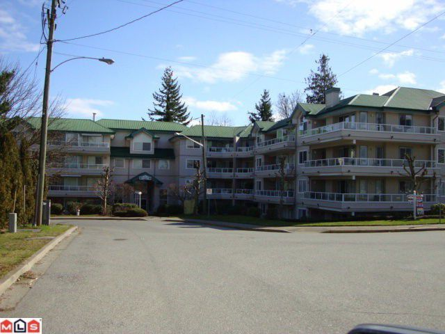 "Main Photo: 108 2750 FAIRLANE Street in Abbotsford: Central Abbotsford Condo for sale in ""FAIRLANE"" : MLS®# F1107204"