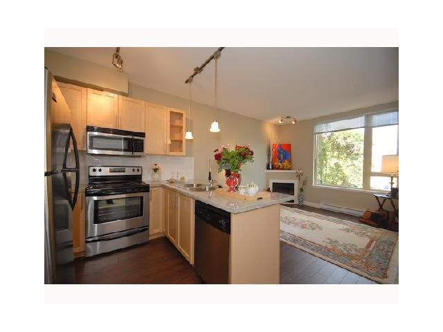 Main Photo: 217 688 E.17th Avenue in Vancouver: Fraser VE Condo for sale (Vancouver East)  : MLS®# V901972