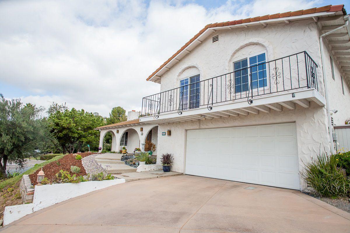 Main Photo: LA MESA House for sale : 4 bedrooms : 9541 Tropico Dr.
