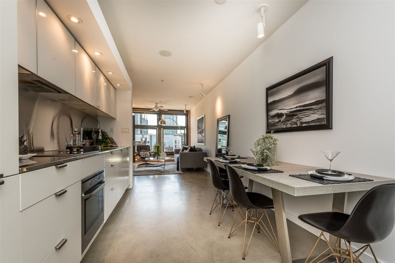 "Main Photo: 601 53 W HASTINGS Street in Vancouver: Downtown VW Condo for sale in ""PARIS BLOCK"" (Vancouver West)  : MLS®# R2116115"