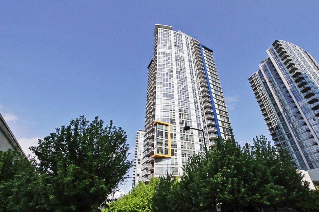 Main Photo: 1802 602 CITADEL PARADE in : Downtown VW Condo for sale : MLS®# V1063248