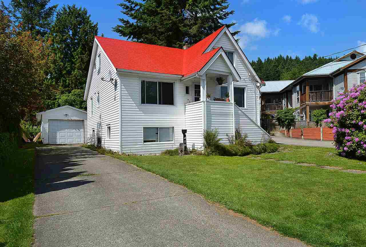 Main Photo: 456 GOWER POINT Road in Gibsons: Gibsons & Area House for sale (Sunshine Coast)  : MLS®# R2219506