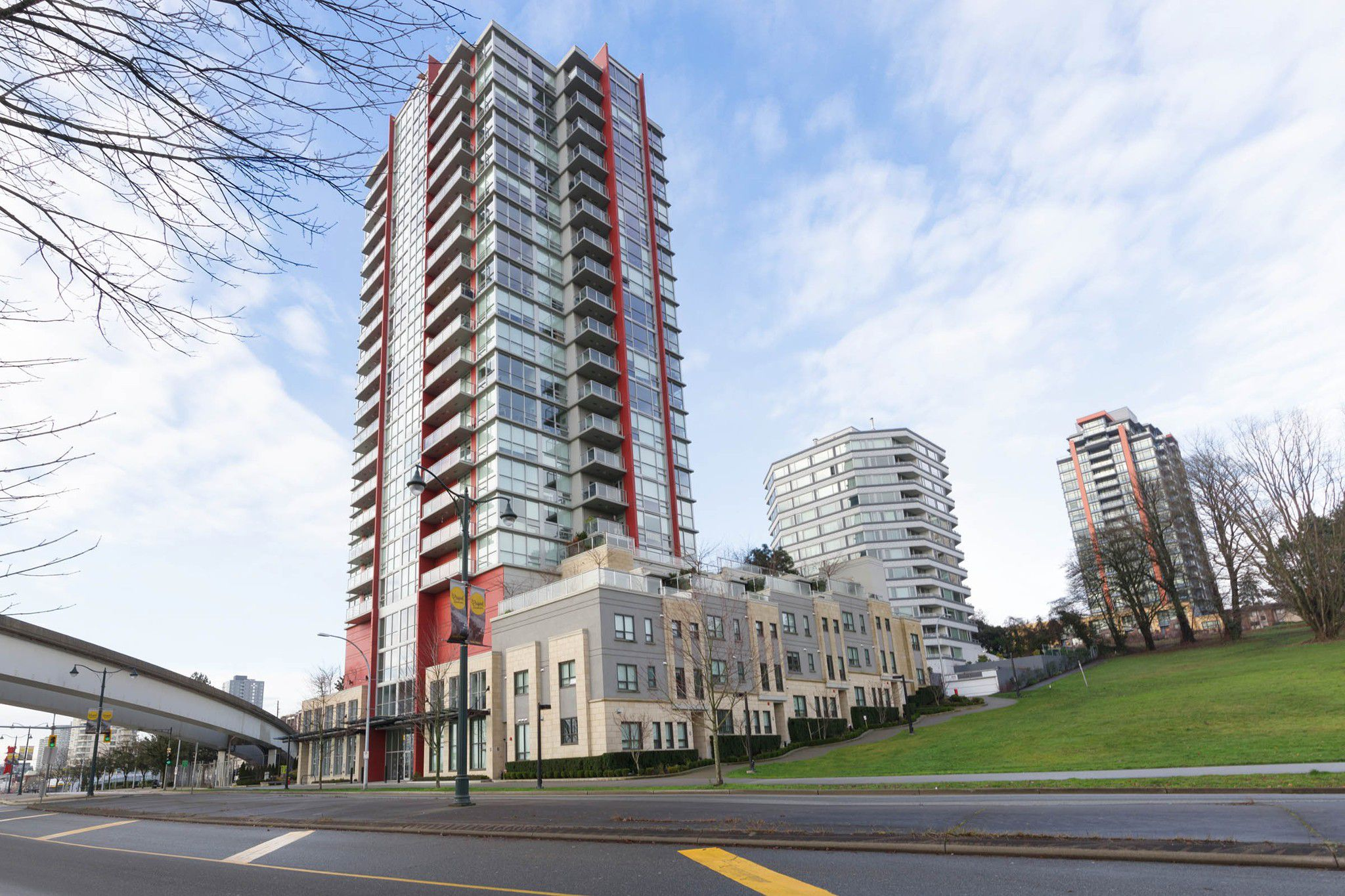 """Main Photo: 1101 125 COLUMBIA Street in New Westminster: Downtown NW Condo for sale in """"NORTHBANK"""" : MLS®# R2231042"""