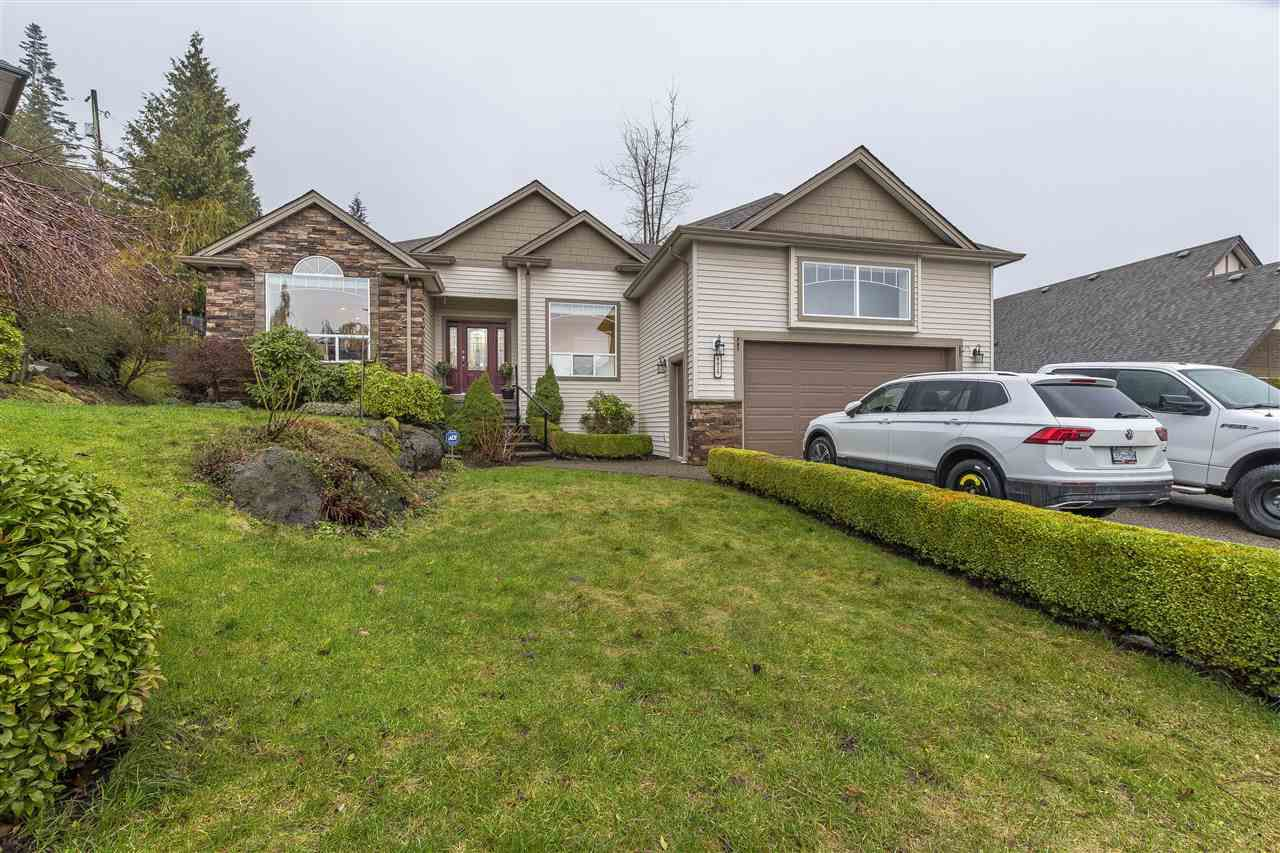 Main Photo: 8829 COPPER RIDGE Drive in Chilliwack: Chilliwack Mountain House for sale : MLS®# R2238150