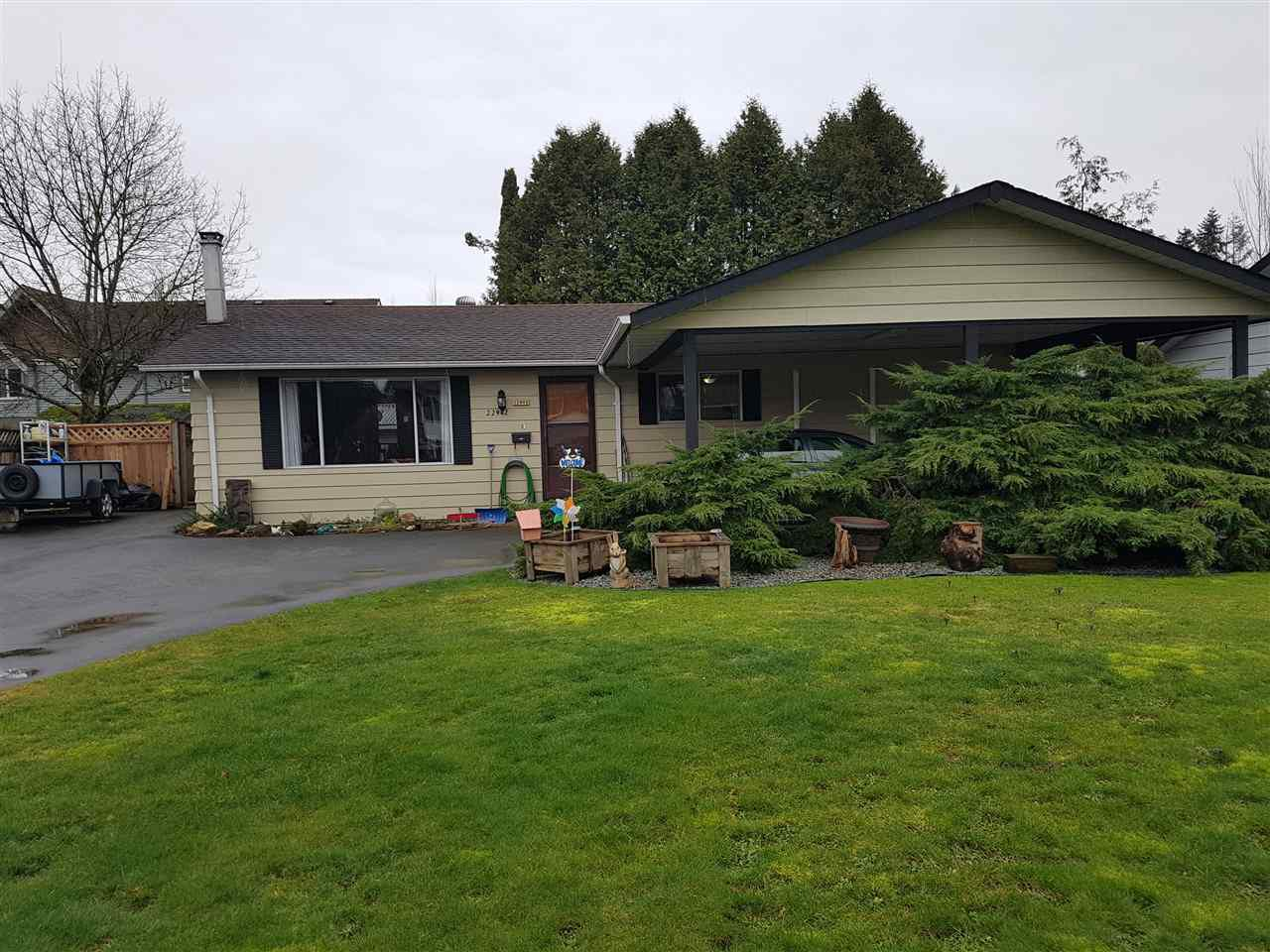 Main Photo: 22942 GILLEY Avenue in Maple Ridge: East Central House for sale : MLS®# R2240174