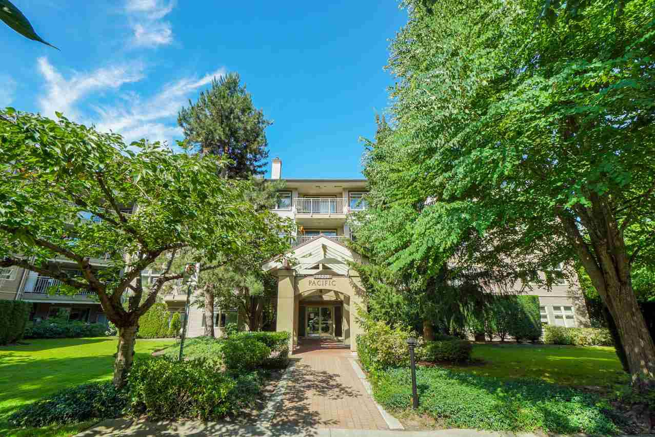 "Main Photo: 213 15220 GUILDFORD Drive in Surrey: Guildford Condo for sale in ""Boulevard Club"" (North Surrey)  : MLS®# R2271813"