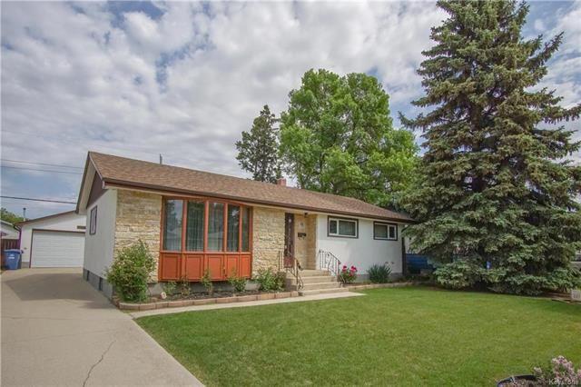 Main Photo: 9 Blackberry Bay in Winnipeg: Windsor Park Residential for sale (2G)  : MLS®# 1815439