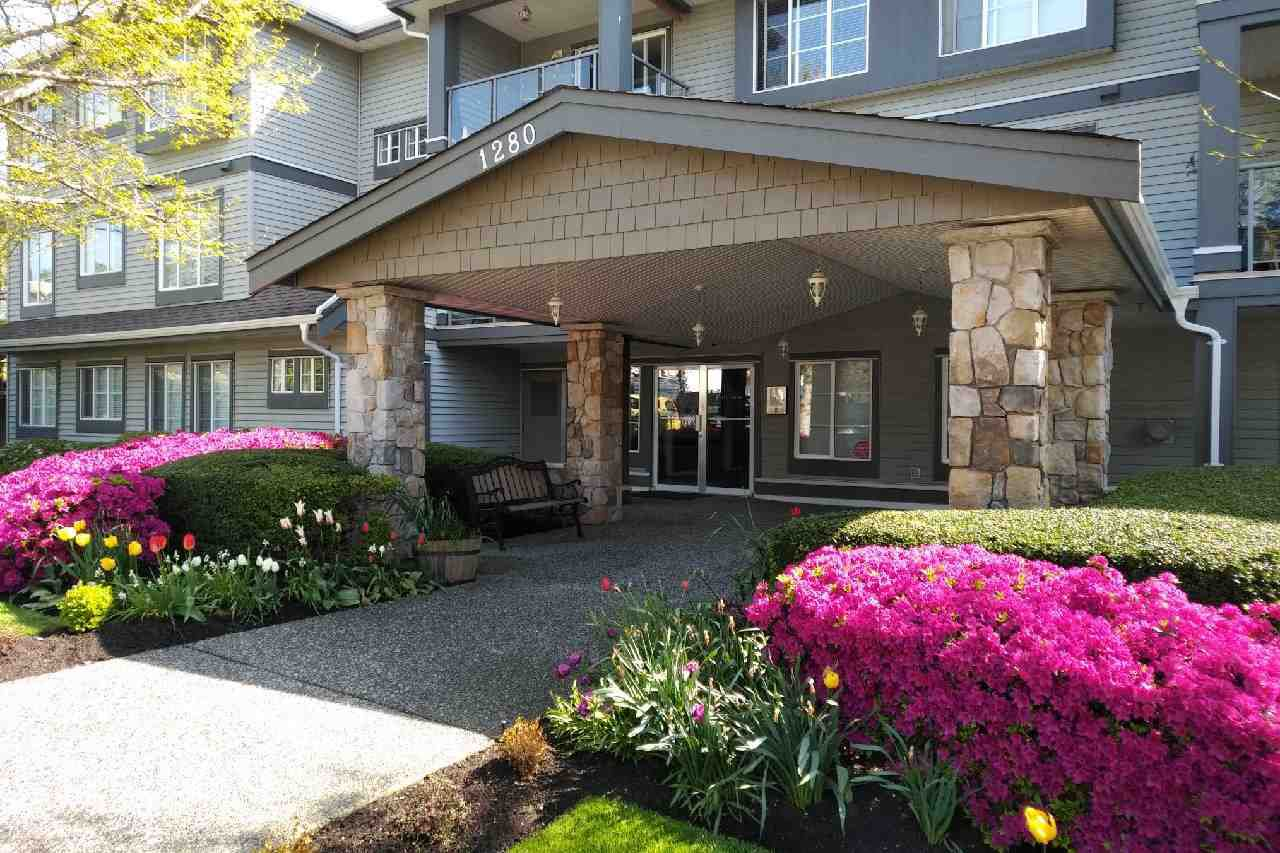 "Main Photo: 207 1280 MERKLIN Street: White Rock Condo for sale in ""The Patterson"" (South Surrey White Rock)  : MLS®# R2307037"