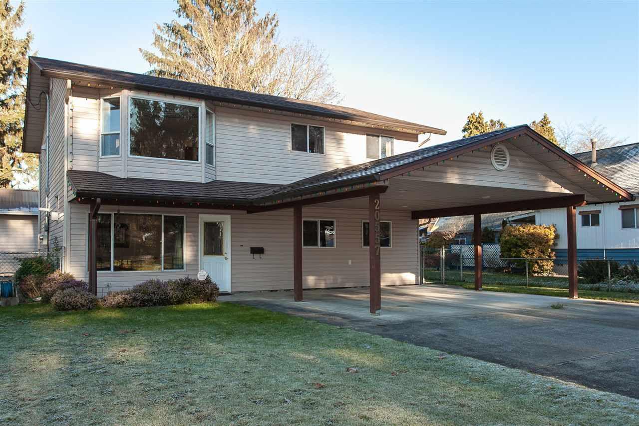 Main Photo: 20557 114 Avenue in Maple Ridge: Southwest Maple Ridge House for sale : MLS®# R2327151