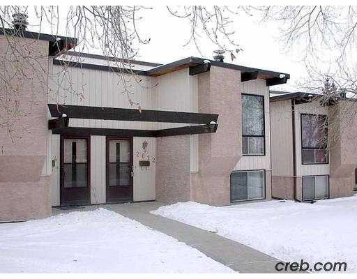 Main Photo:  in : Oakridge Townhouse for sale (Calgary)  : MLS®# C2252872
