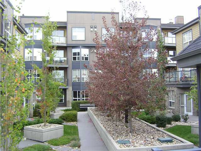 Main Photo: 402 2420 34 Avenue SW in CALGARY: South Calgary Condo for sale (Calgary)  : MLS®# C3592349
