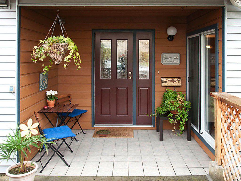 """Main Photo: 102 5472 11TH Avenue in Tsawwassen: Tsawwassen Central Condo for sale in """"WINSKILL PLACE"""" : MLS®# V1099711"""