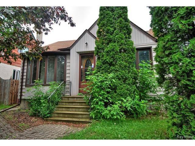Main Photo: 127 Des Meurons Street in WINNIPEG: St Boniface Residential for sale (South East Winnipeg)  : MLS®# 1516300