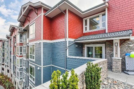 """Main Photo: 104 2238 WHATCOM Road in Abbotsford: Abbotsford East Condo for sale in """"WATERLEAF"""" : MLS®# R2013137"""
