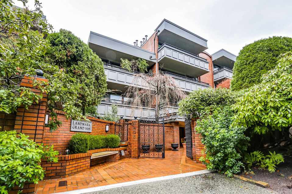"Main Photo: 506 1405 W 15TH Avenue in Vancouver: Fairview VW Condo for sale in ""LANDMARK GRAND"" (Vancouver West)  : MLS®# R2020276"