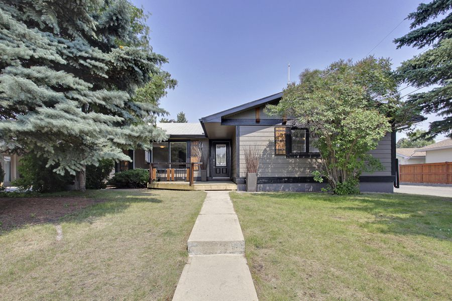 Main Photo: 10655 Mapleglen Cres SE in Calgary: House for sale : MLS®# C3626899