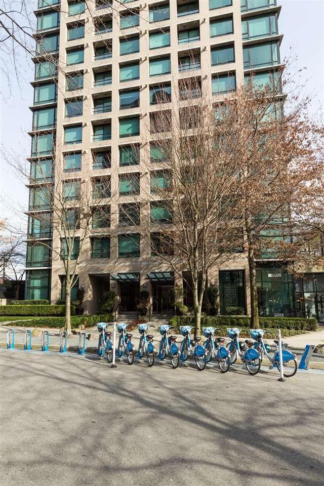 Exterior with Mobi Bikes and ZipCar
